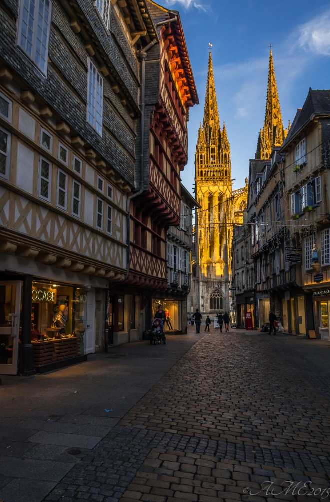 #cathédrale #Quimper #rue #histoire