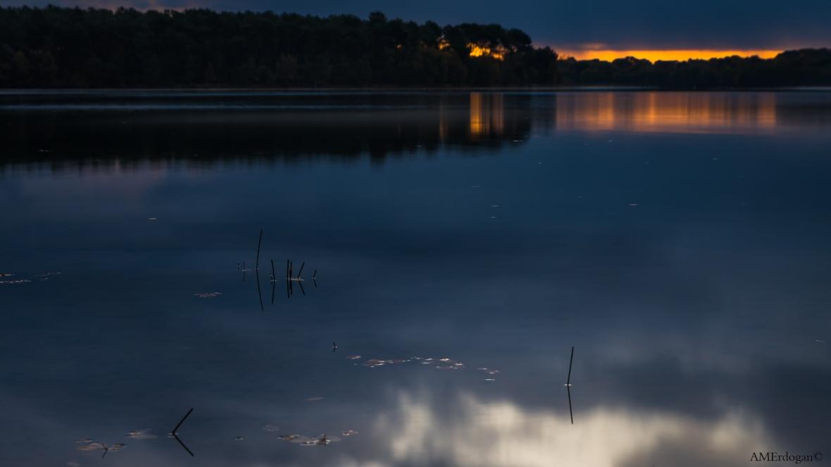 L'aurore sur le lac
